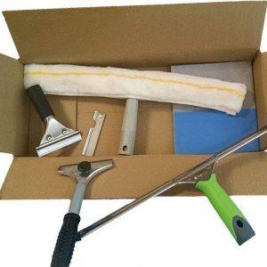 Kit completo de productos para limpieza de cristales de 35 cms. Limpiacristales, rascador, mojador y bayeta para la limpieza de cristales